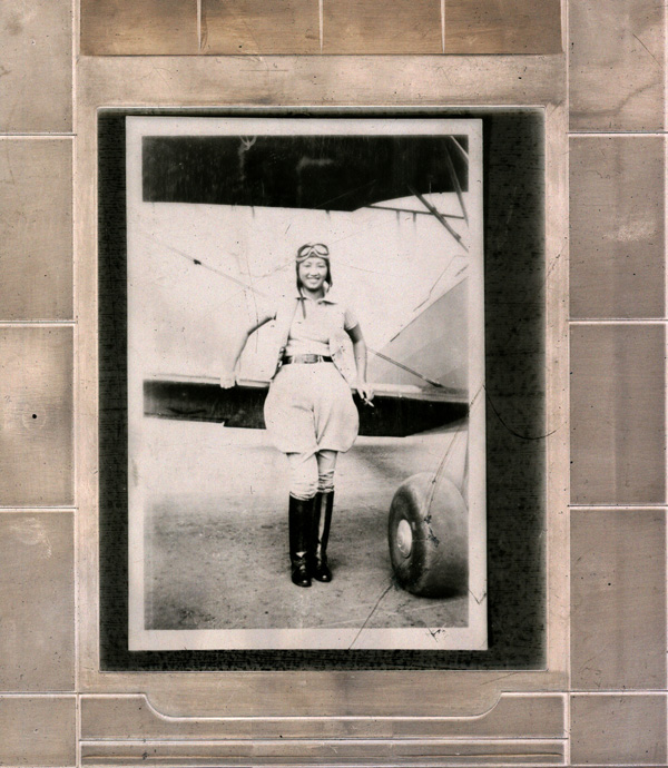 <strong><em>Hazel Ying Lee in front of Bi-plane</em></strong><strong>. Courtesy of Alan H. Rosenberg, Museum of Chinese in America (MOCA) Collection.</strong>