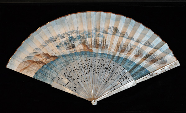 <strong><em>Empress of China fan</em></strong><strong>, 1784. Courtesy of the Philadelphia History Museum at the Atwater Kent, The Historical Society of Pennsylvania Collection.</strong>