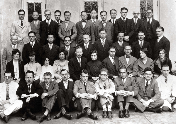 Henry Docfoo Cheu (second row from the top, third from left) with classmates at Stanford University School of Medicine, 1929.